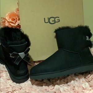 Ugg Bailey bow shimmer black boots nwt